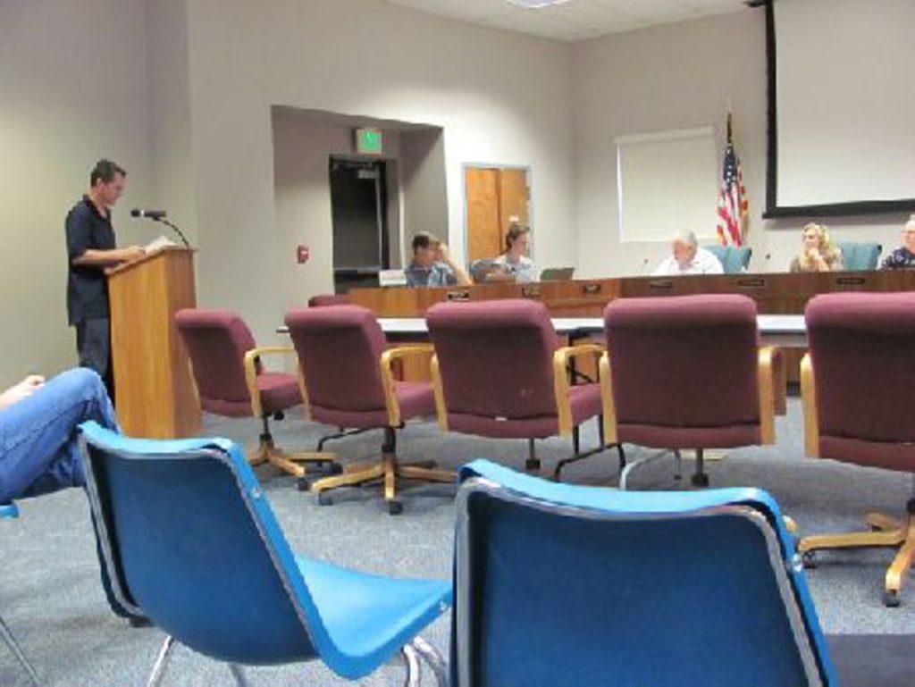 Donovan Hemway addressing the Metro Water District Board of Directors